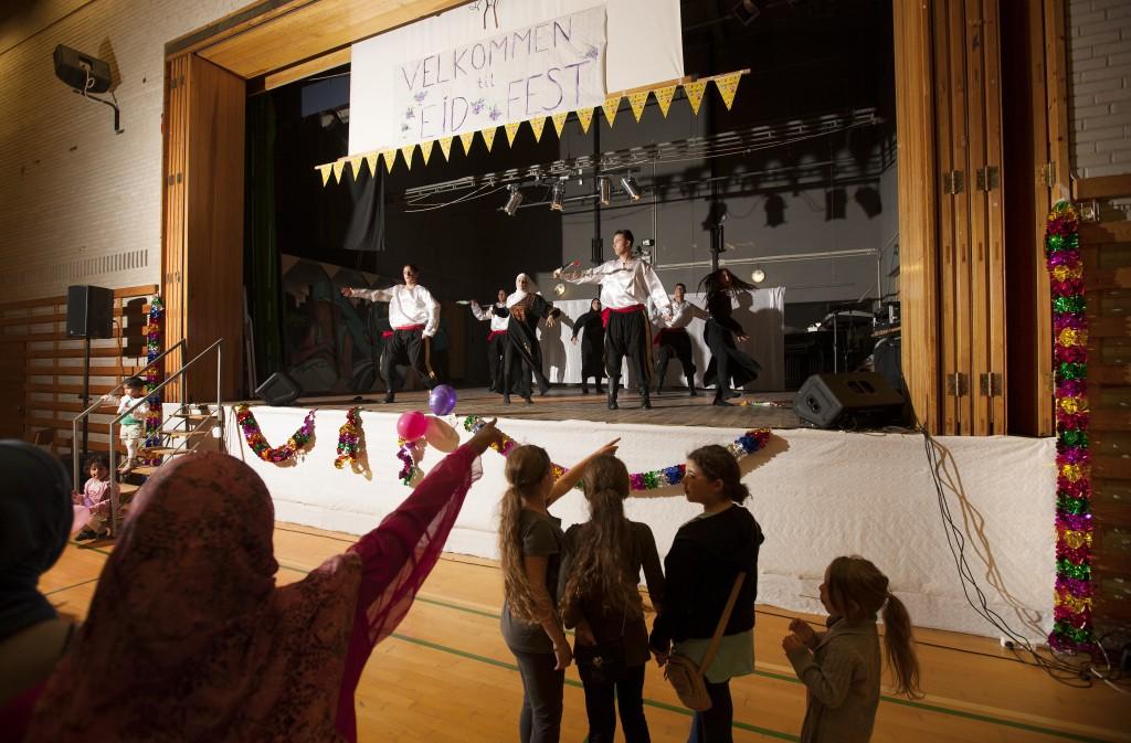 Dans på scenen til eid 0813 MIKAL SCHLOSSER