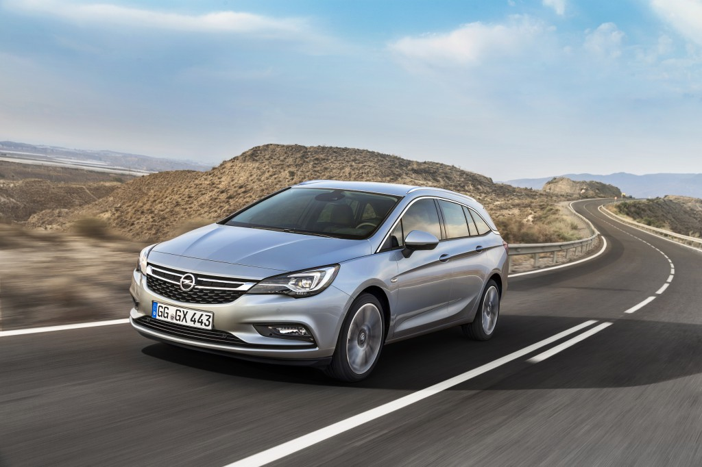 Opel-Astra-Sports-Tourer-forfra