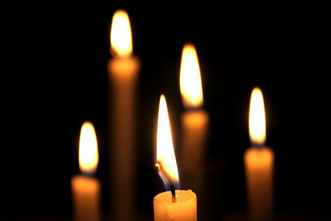 candles-738604_1920