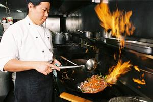 1e879029ed-kinesisk-restaurant-wok